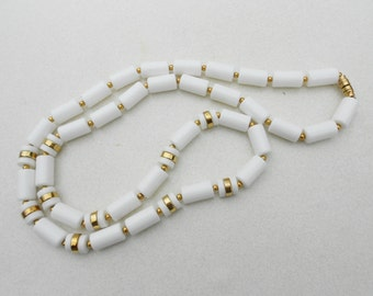 Necklace white barrel bead necklace 1970s vintage jewelry