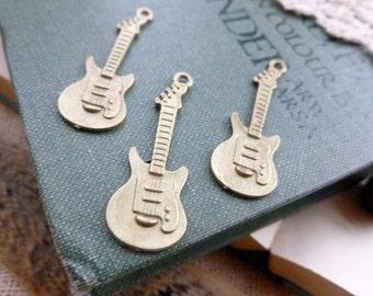 4x Guitar Charms, Antique Brass Necklace, Earring Pendants C305
