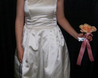 Handsewn flower uni-strap Ivory Satin wedding dress Size 6-8