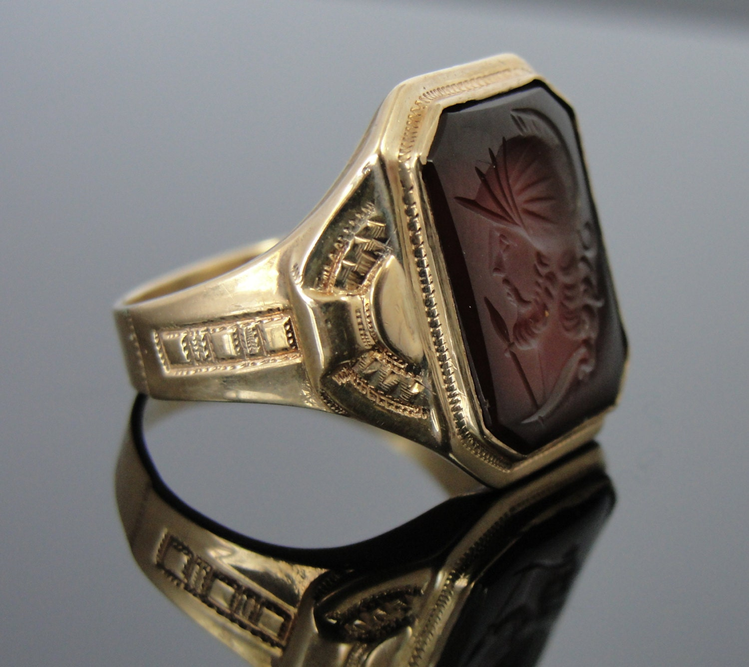 Antique 10k Gold Sardonyx Victorian Mens Ring Cameo Intaglio