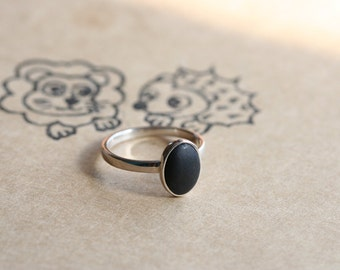 sterling silver oval ring - black  brown