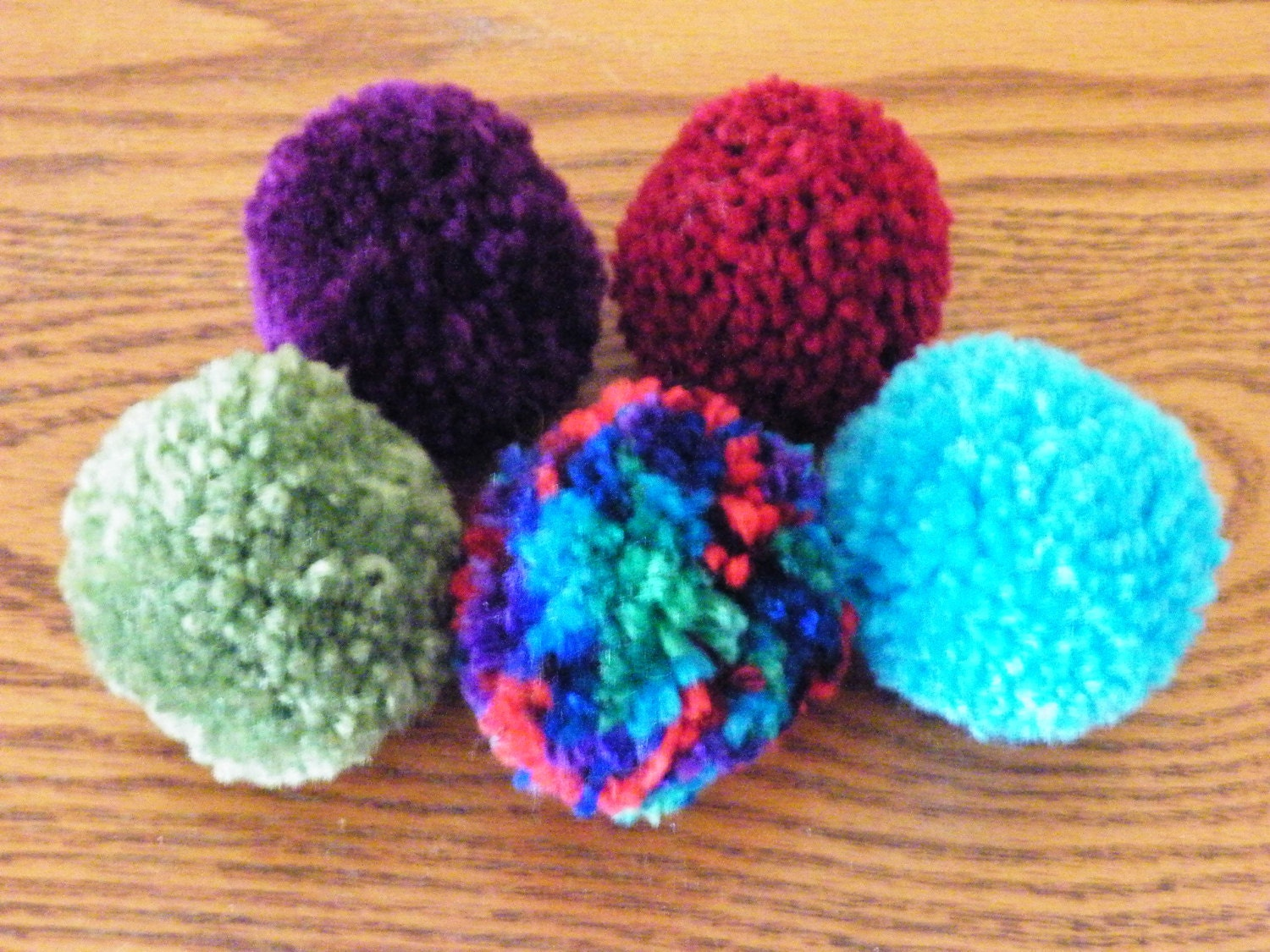 5 handmade 2 inch yarn pom pom cat toy balls sprayed with