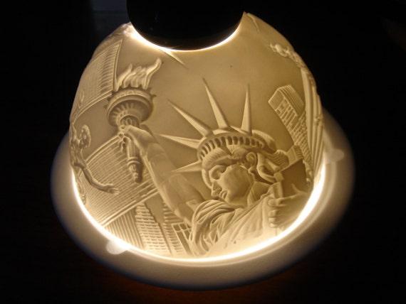 lithophane new york city limoges porcelain by auntieqsattic. Black Bedroom Furniture Sets. Home Design Ideas