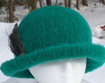 Hat Wool Felted Green w/Rolled Rim and Feathers Pin