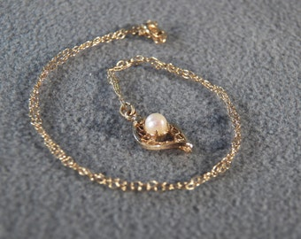 Vintage 12 K Yellow Gold Filled Round Cultured Pearl Fancy Filigree Pendant Charm Necklace Chain