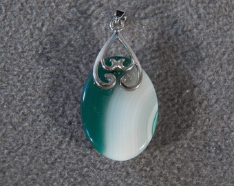Vintage Sterling silver Oval Striated Green Agate Fancy Scrolled Pendant Charm