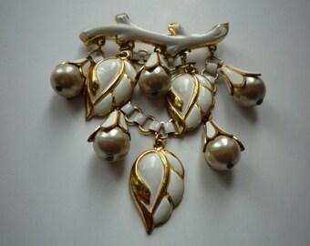 Stunning Vintage White Enamel Gold Tone Leaf  Faux Pearl Dangling Brooch Pin