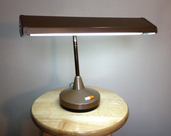 Mid Century Modern metal gooseneck desk light