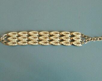 Leaf link bracelet .