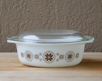 Vintage Pyrex Casserole with Lid - Town and Country Pattern