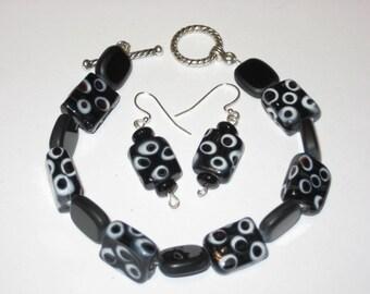 Black & White earring and bracelet set