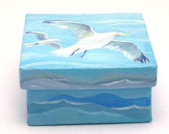 "Sea Gulls, Small Painted Box 2 3/4 "" x 1 1/2 """