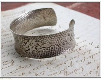 Vintage sterling silver bangle bracelet repousse flower ornate stamped large bracelet