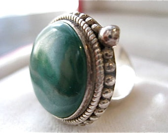 Sterling Silver Green Malachite Vintage Ring 10.9g