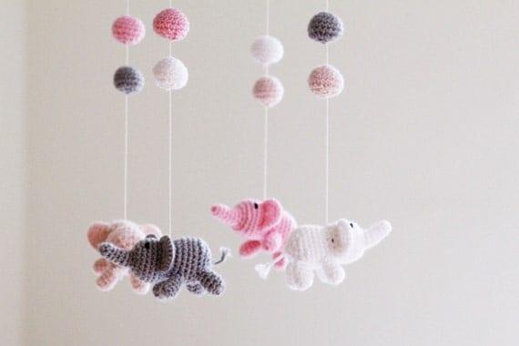 elefant krippe mobile h keln elefanten baby girl mobile. Black Bedroom Furniture Sets. Home Design Ideas