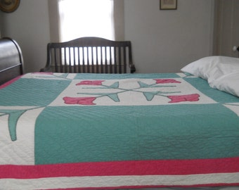 Bold -  Nile Green and Pink, Tulip Applique Quilt.  1930's.  Excellent Condition.
