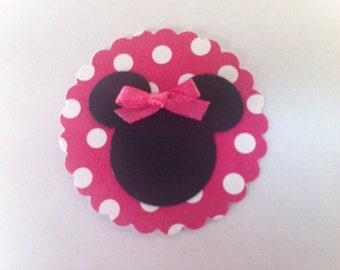 12 Minnie Mouse Die Cut with Hot Pink and White Polka Dot Scallop Background