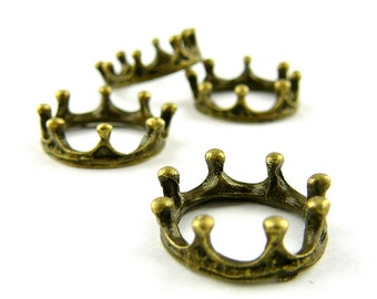 Crown Charm/Pendant - Bronze - Lot of 4