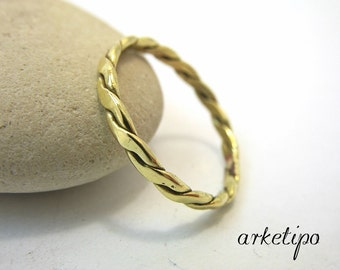 Handmade hammered brass Ring.. Elegant and comfortable