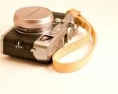 Handmade Veg Tan Leather Wrist Camera Strap