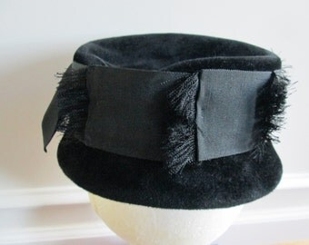 1950s Black Velour Hat with Grosgrain Ribbon Band, Size 21