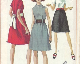 1960s Misses' Dress Pattern, Simplicity 7984, Size 10, Bust 32.5