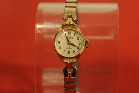 Vintage GRUEN Precision 17 jewels Swiss Women's Hand-Winding Watch 10K R.G.P. Bezel