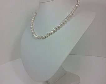 White Freshwater pearl 6-7mm Necklace