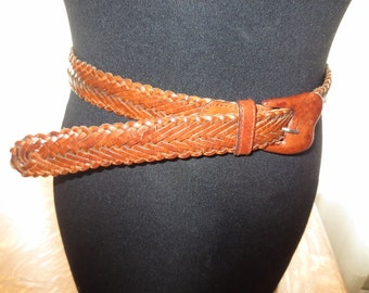 Vintage Womans Brown Leather 1 1/8 inch wide Belt , Woven design , leather buckle