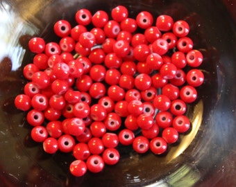 80 red bubblegum glass beads, baking painted, 4mm, hole 1mm