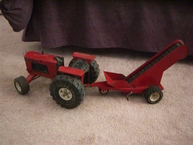 Vintage Tonka Tractors : Vintage s tonka tractor elevator number two