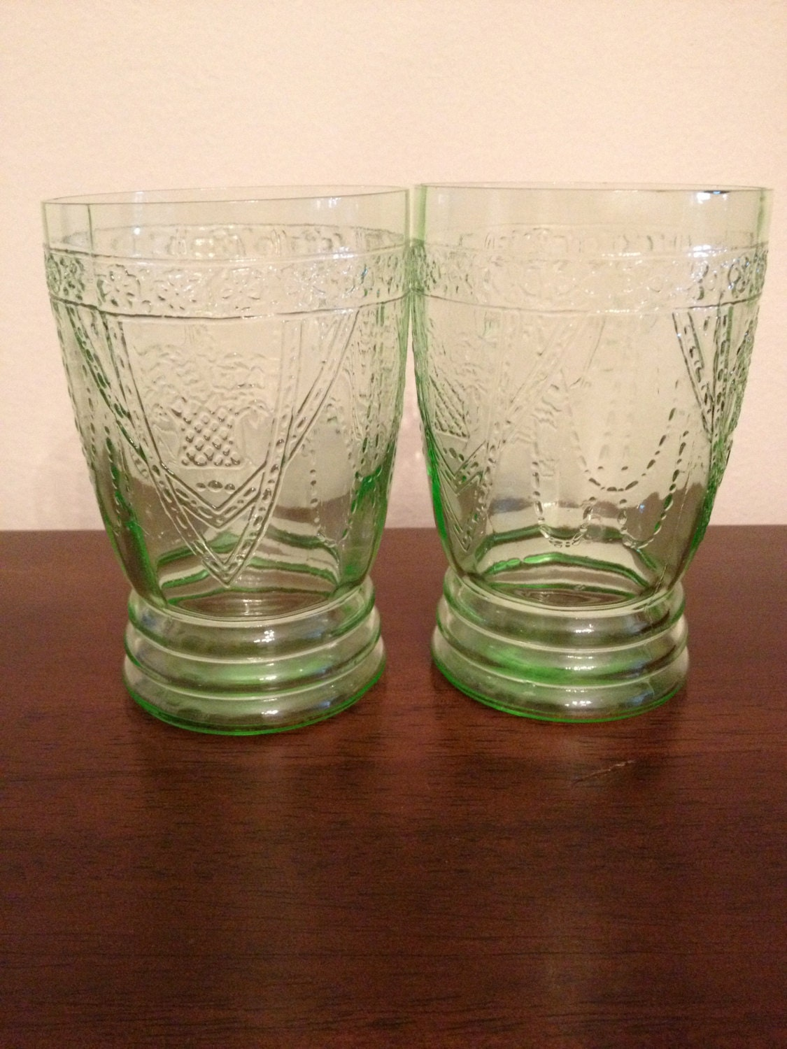 Sale rare set of 2 green depression glass georgian for Most valuable depression glass patterns