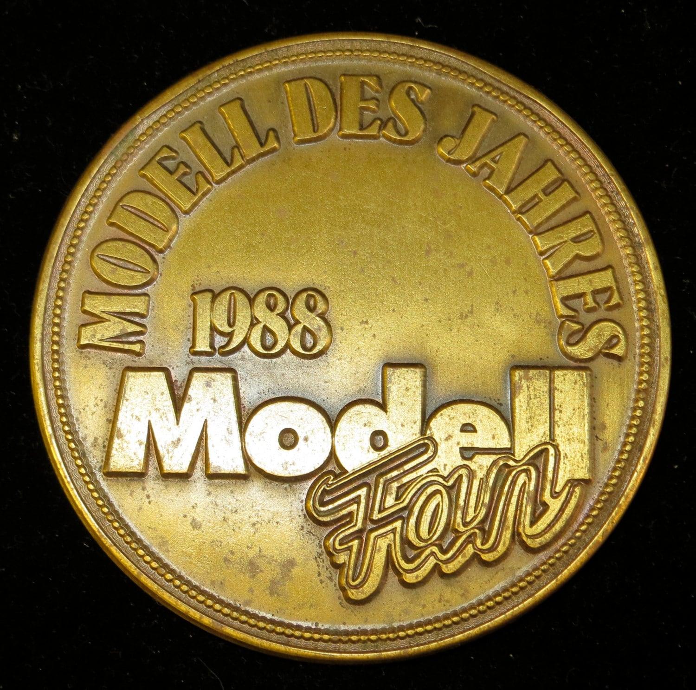 Vintage Monogram Model 23
