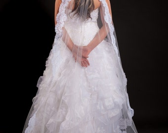 1 Layer Floor Length Mantilla Veil with Lace Edge