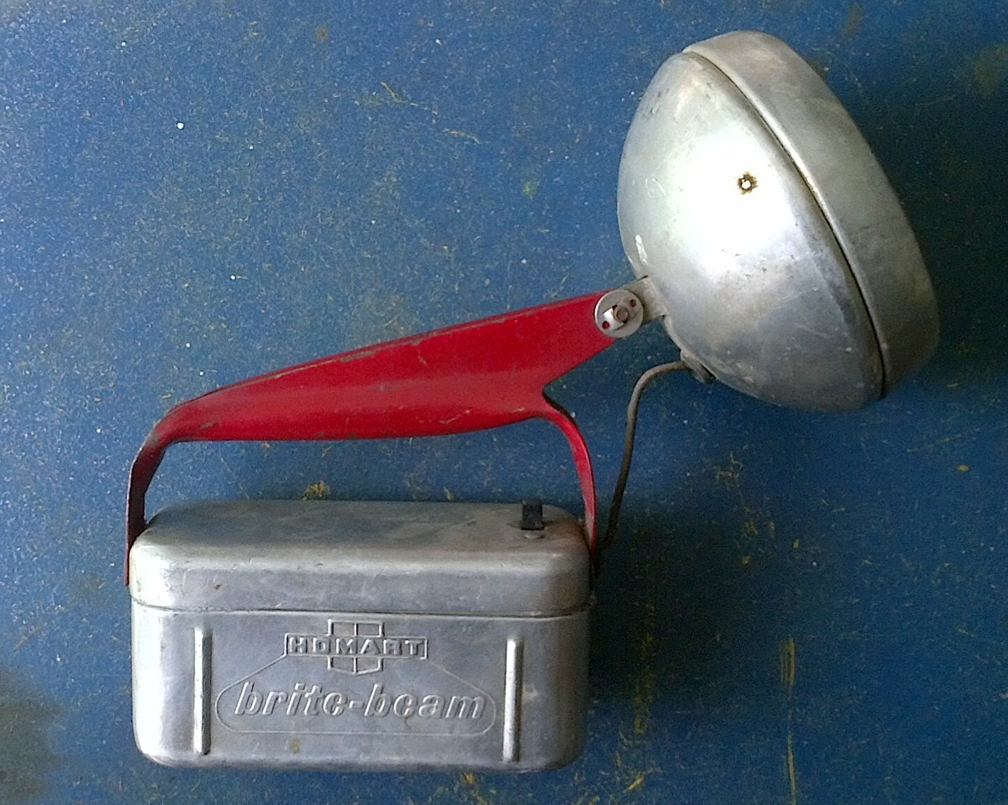 1950s Homart Brite Beam Battery Box Round Metal Flashlight