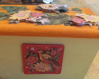 Handcrafted leaves, and flower jewelry box