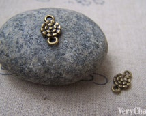 20 pcs of Antique Bronze Lovely Round Daisy Flower Connector Charms 7x13mm A2956