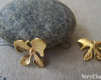 Anti Tarnish 18K Gold Four Petal Butterfly Flower Charms Set of 10 A2383