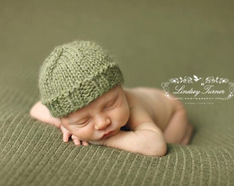 Newborn knitted beanie.. newborn hat.. newborn beanie... newborn photography prop...newborn knit hat