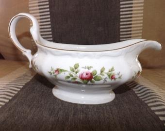 Gravy boat bowl and tray Moss Rose by Johanna Haviland