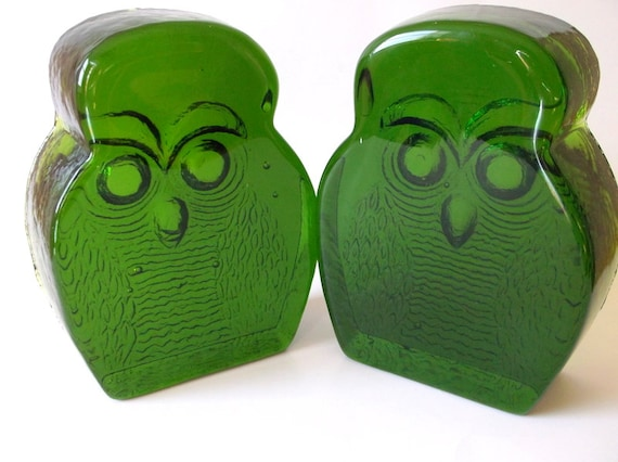 Vintage Blenko green glass owl bookends by IThriftThereforeIAM
