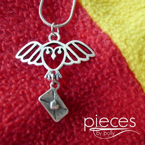 Hedwig Owl Post Pendant Necklace - Perfect for Harry Potter Fans