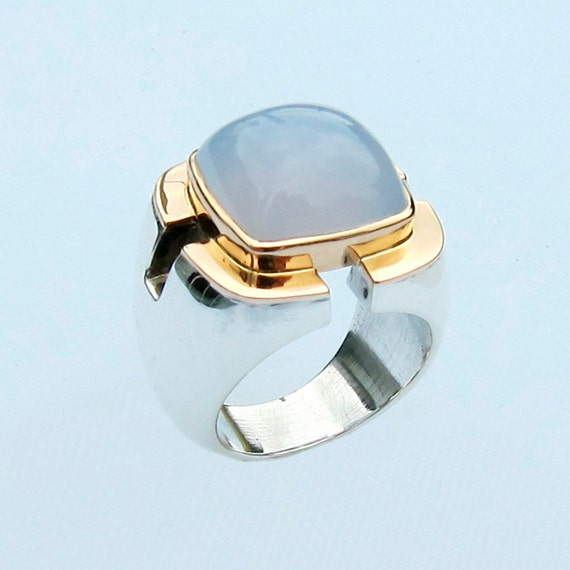 Ring with Chalcedony, Size 8
