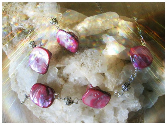 Handmade Jewelry Set, Silver Necklace and Earrings with Pink Seashell by IreneDesign2011