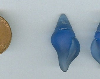 Set 2 Small Conch Shell Royal Blue 26x12mm Sea Glass Pendant Beads