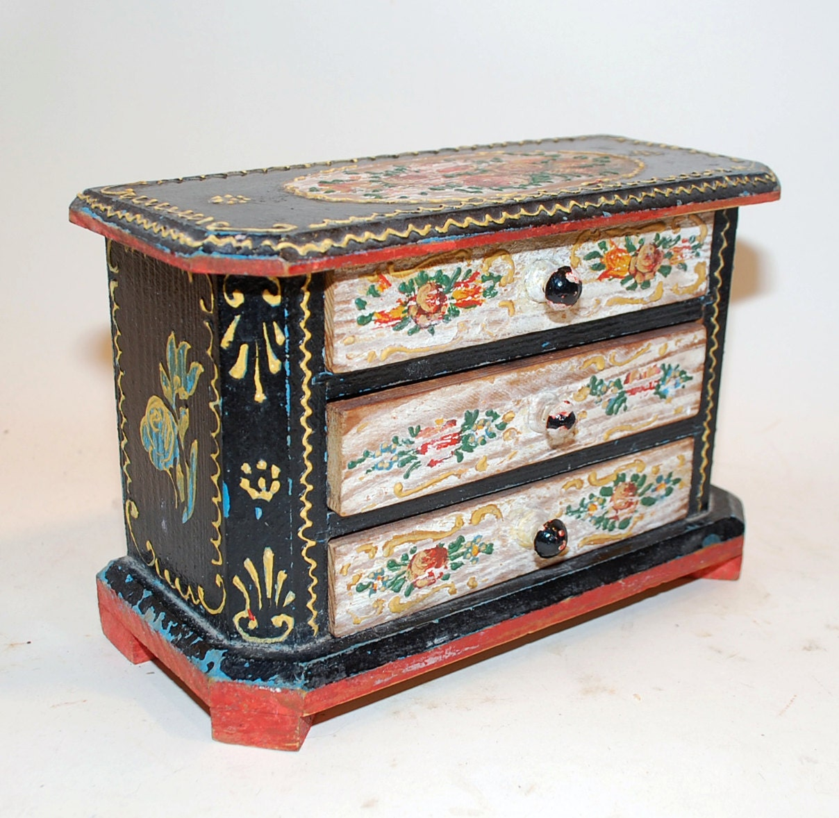Vintage jewelry box doll dresser painted application for Vintage antique jewelry box