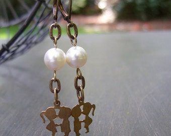 charming couple / pearls / earrings