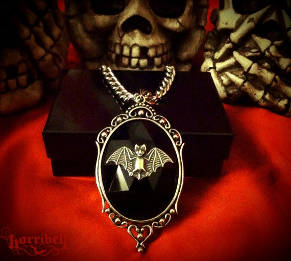 Bat Necklace // Gothic Necklace Bat Cameo Bat Jewelry // Antique Silver