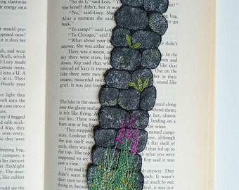 Wall bookmark, textile art, mixed media, machine embroidery