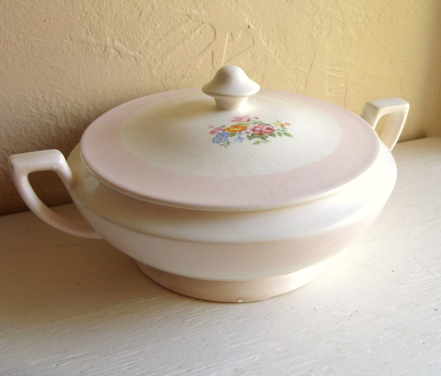 White And Pink Porcelain Soup Tureen Bowl With Lid And Handles